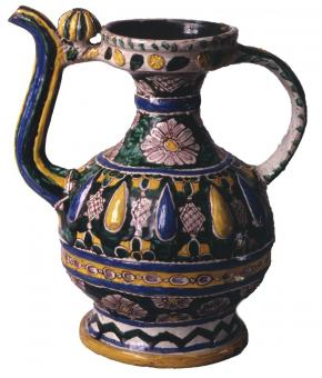 Kumgan (a jug for water with a narrow neck, a spout, handle and a lid)